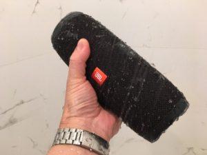 jbl-charge-3-handheld